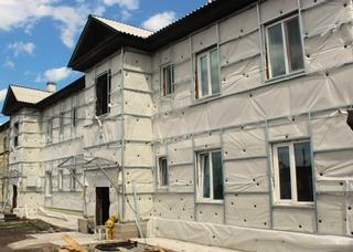 В Черногорске начался капитальный ремонт домов по плану 2017 года